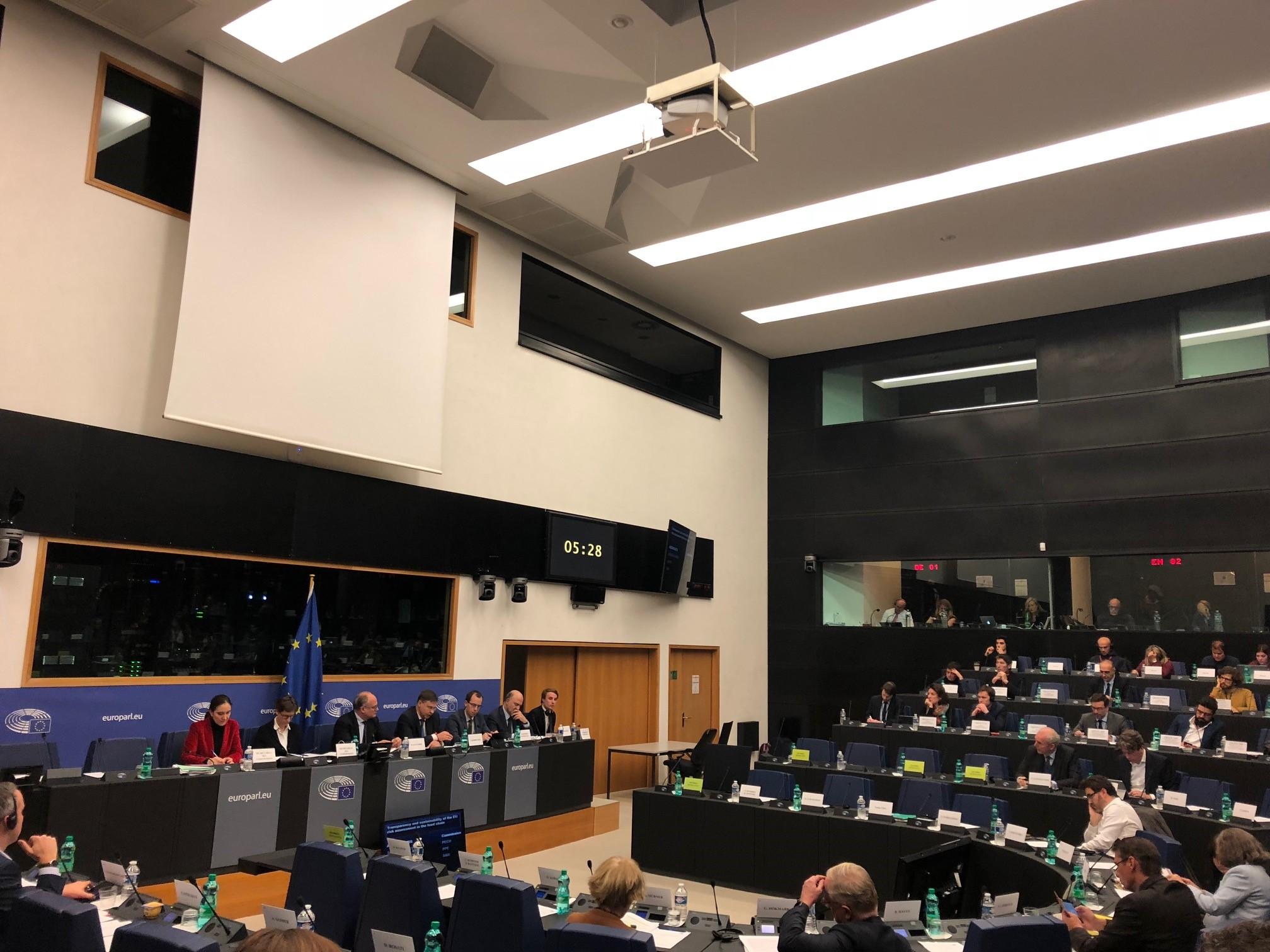 Comité de economía con los Comisarios Dombrovskis y Moscovici