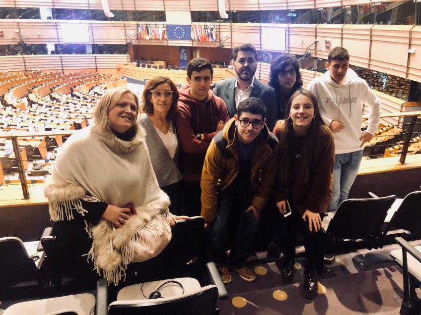 Estudiantes Luanco en la eurocámara