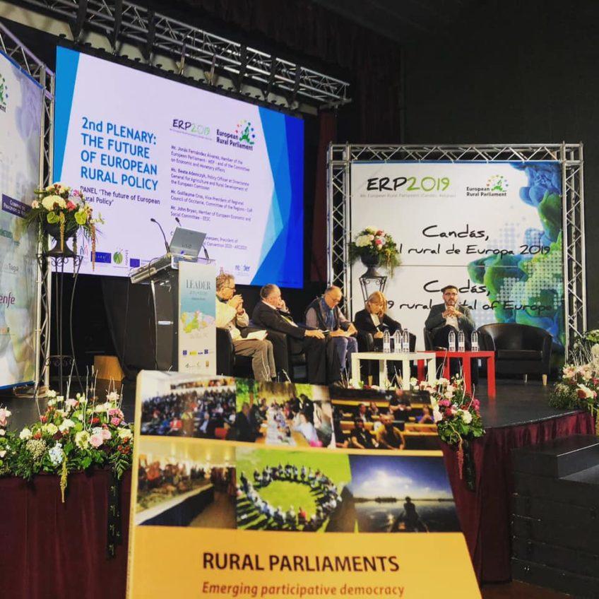 Ponentes en el parlamento rural